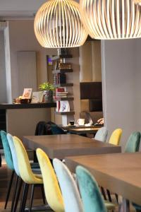 Restaurant ou autre lieu de restauration dans l'établissement Kyriad Vichy