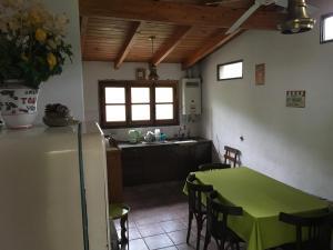 Una cocina o kitchenette en Munay Posada y Cabaña