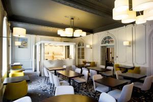 Salon ou bar de l'établissement Hôtel Mercure Rodez Cathédrale
