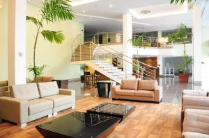 The lobby or reception area at Intercity Manaus