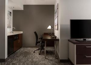A television and/or entertainment center at SpringHill Suites Chicago Lincolnshire