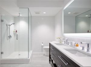 A bathroom at Isla Bella Beach Resort & Spa - Florida Keys