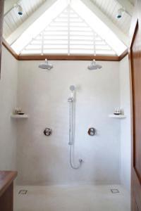 A bathroom at GoldenEye
