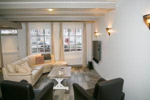 A seating area at De Leidsche Woert