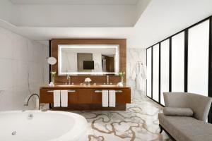 Ein Badezimmer in der Unterkunft Shangri-la Hotel Beijing