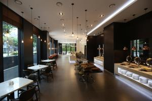 A restaurant or other place to eat at Amanti Hotel Seoul