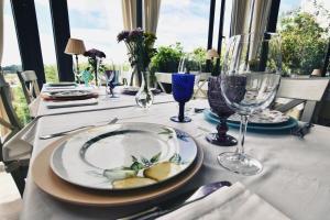 Un restaurante o sitio para comer en Hotel Quinta de San Amaro