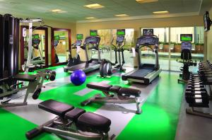 The fitness center and/or fitness facilities at Courtyard by Marriott San Jose Airport Alajuela