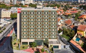 A bird's-eye view of Ibis Taubate