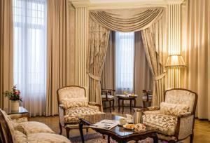 Гостиная зона в Hotel Moskva