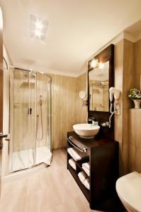 Ein Badezimmer in der Unterkunft Hotel Annín