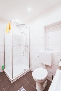 A bathroom at Gästehaus Kersting