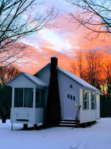 Eden Village Motel and Cottages during the winter