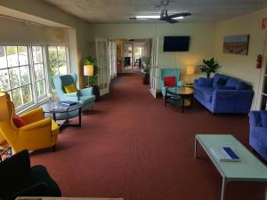 The lobby or reception area at Clare Valley Motel