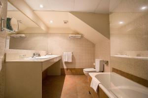 Ein Badezimmer in der Unterkunft Himalaia Soldeu