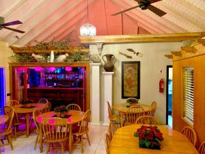 A restaurant or other place to eat at Seaview Inn