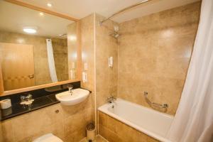 A bathroom at Travelodge Dublin Airport South