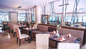 Un restaurante o sitio para comer en Antaris Valle