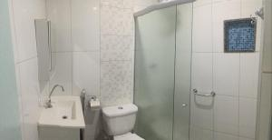 A bathroom at Arahra Hotel