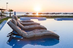 Бассейн в Iberostar Selection Kantaoui Bay или поблизости