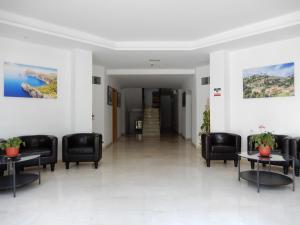 The lobby or reception area at Marina Palmanova Apartamentos