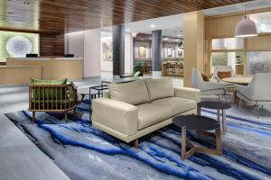 A seating area at Fairfield Inn & Suites by Marriott Allentown West