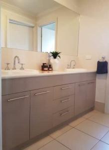 A bathroom at Little on Ash