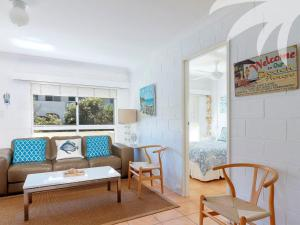 A seating area at Blueys Beach Villa - Villa Manyana Unit 22