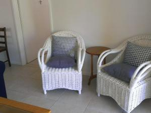 A seating area at Picture perfect Lizzie Palms 2