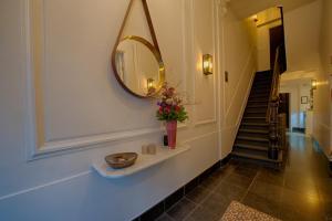 A bathroom at Boutique hotel Maison Emile