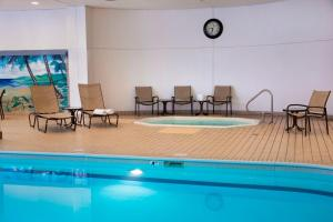 The swimming pool at or near President Abraham Lincoln - A Doubletree by Hilton Hotel