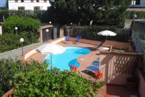 A view of the pool at Rosa Dell'Arcipelago or nearby