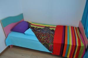 Cama ou camas em um quarto em Baku Seafront Apartment