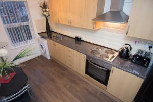 A kitchen or kitchenette at Town House Liverpool