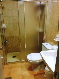 Un baño de Hotel Patilla