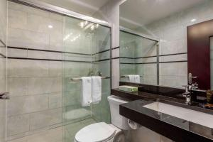 A bathroom at The L Hotel, Ascend Hotel Collection