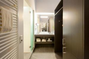 A bathroom at Aspria Berlin Ku'damm