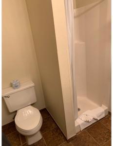 A bathroom at Kings Inn Cody