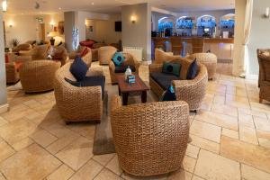 The lounge or bar area at Hampshire Hotel Saint Helier Jersey