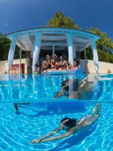Πισίνα στο ή κοντά στο Alonissos Muses Villas