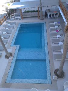 Vista de la piscina de Bungalows Playa Bonita o alrededores