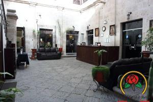 El vestíbulo o zona de recepción de Hotel Santa Rosa