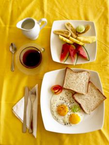 Breakfast options available to guests at Coppenrath Hostel