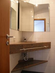 A bathroom at Pension Freiraum Berlin
