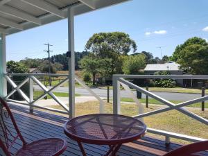 A balcony or terrace at Fish Creek Alkira Accommodation