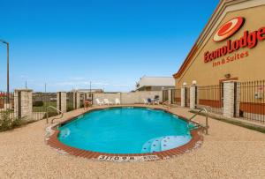 The swimming pool at or near Econo Lodge Inn & Suites Bridgeport