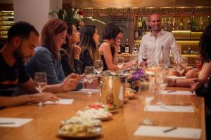 A restaurant or other place to eat at Prima Park Hotel Jerusalem