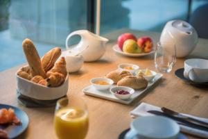 Breakfast options available to guests at Fontevraud L'Hôtel
