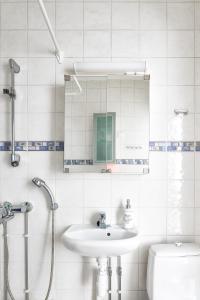 Kylpyhuone majoituspaikassa Helsinki downtown Pasila