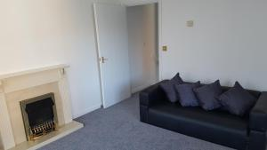 A seating area at Comfortable 2 Bedroom Apartment